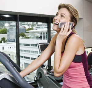 Talking on the phone while working out